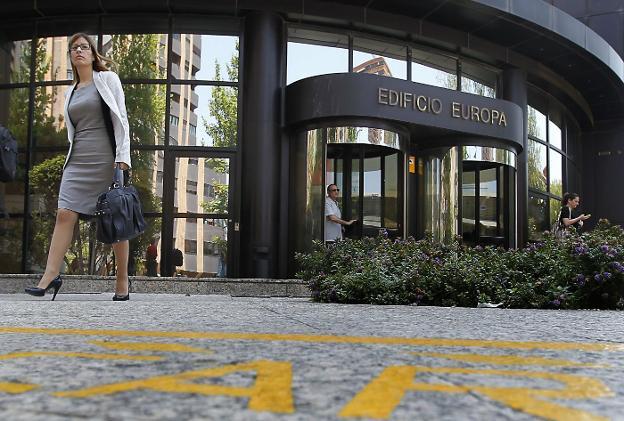 La falta de oficinas adecuadas en valencia entorpece la for Oficinas de bankinter en valencia