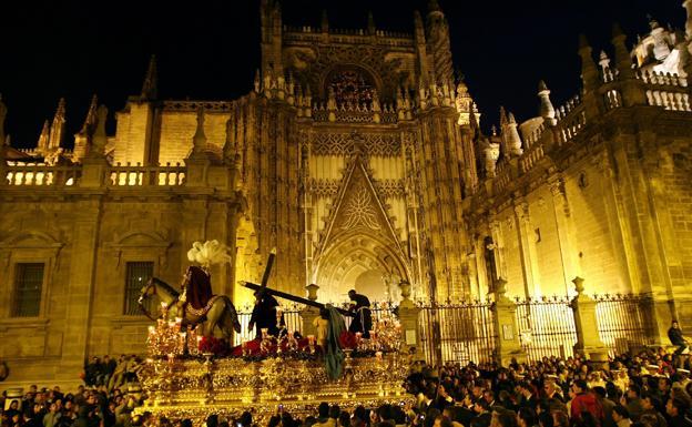 Martes santo en sevilla horario y recorrido de las - Horario merkamueble sevilla ...
