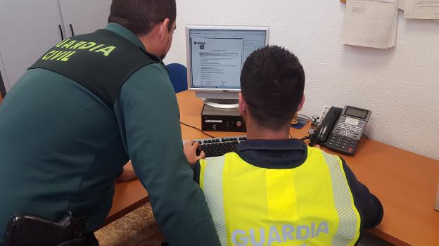Agentes de la Guardia Civil. / LP