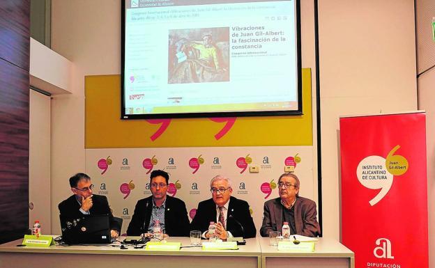 El diputado Augusto Asencio detalla los pormenores del congreso. /DA
