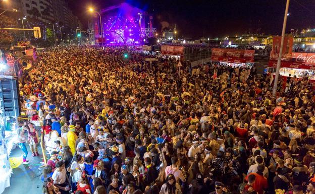 Resultado de imagen de carnaval calles santa cruz tenerife 2019