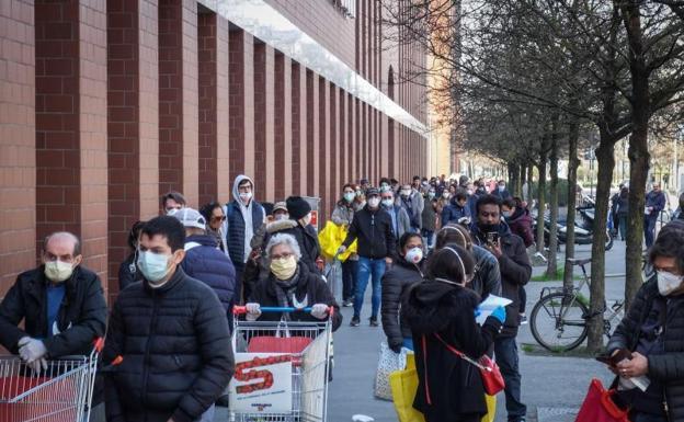 El coronavirus supera los 53.000 infectados y 4.800 muertos en Italia