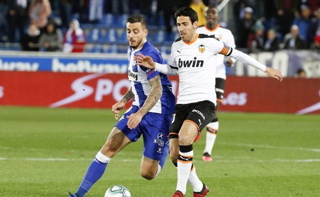 Dani Parejo, durante un partido contra el Alavés./EFE/David Aguilar