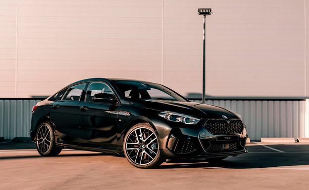 El BMW Serie 2 Gran Coupé Black Shadow Edition es una serie especial que se puede reservar por internet.