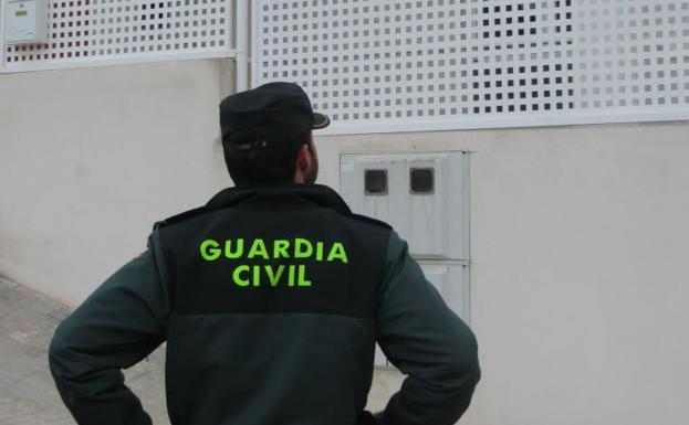 Neighbors manage to thwart the occupation of a villa in Chiva