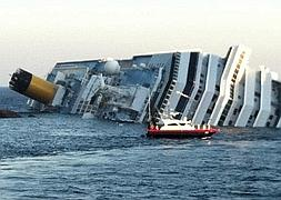 El crucero accidentado en la costa de la Toscana. / Reuters/
